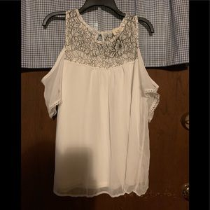 C.O.C. Cold Shoulder Top with Lace  2X  NWT
